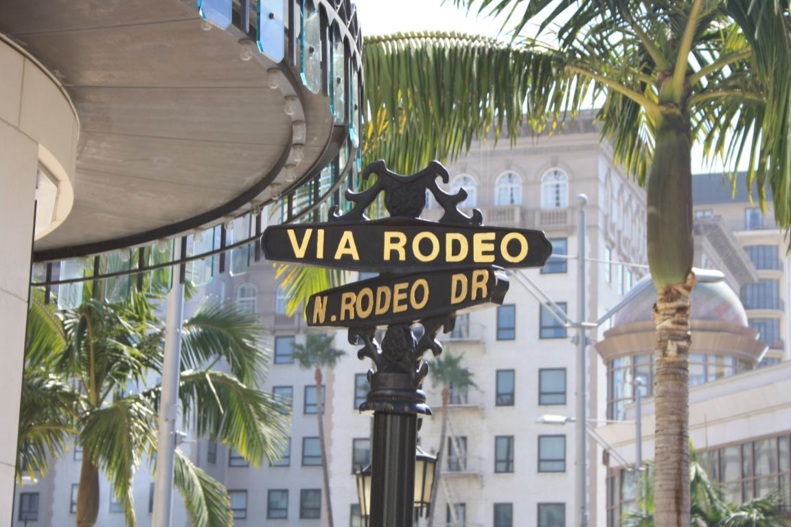 20150504-the-famous-rodeo-drive-in-beverly-hills-los-angeles-united-states_1152_12905783304-tpfil02aw-30209.jpg
